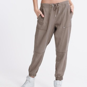Bungee Cord SONORAN TENCEL JOGGER W7010072A fra SuperDry